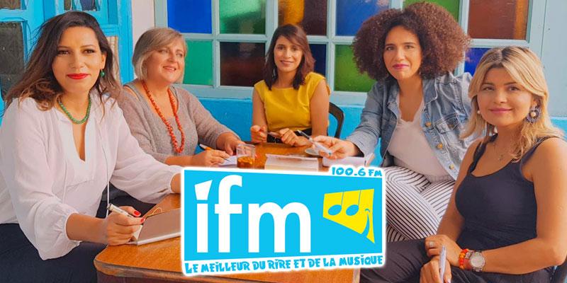 Un plateau féminin au micro d'IFM, tous les matins du lundi au vendredi