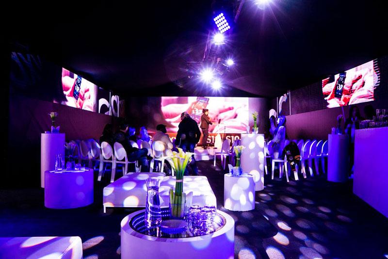 En photos : Un événement haut en couleurs à Sidi Bousaid pour le Samsung S10<